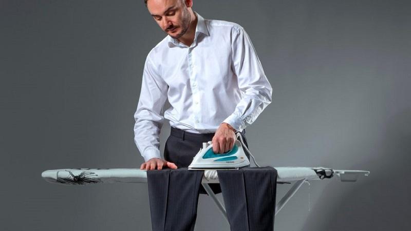 Как при помощи марли правильно гладить брюки со стрелками